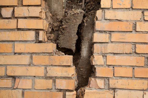 В Железнодорожном обнаружили дом 2007 года постройки с признаками аварийности