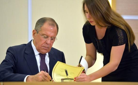 «Господин Нет» Лавров — бульдозер, доводивший Клинтон до психоза