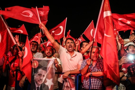 В Турции полным ходом идет еще один переворот