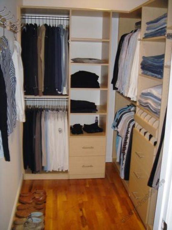 Фото гардеробной комнаты в доме..