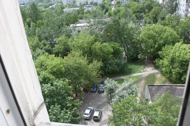 Продается трешка расположение можайское ш. , 29, метро, в. о.