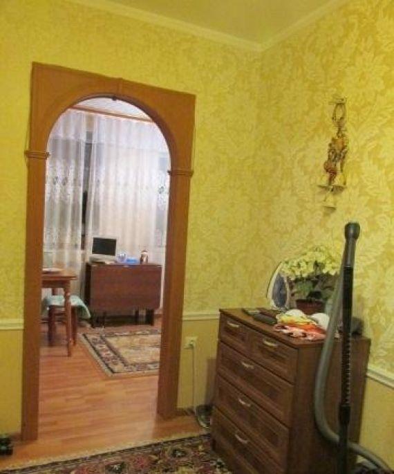На продаже недорогая трехкомнатная квартира в кирове на ул.