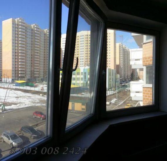 Продается 2-комнатная квартира по адресу синявинская ул. , 1.