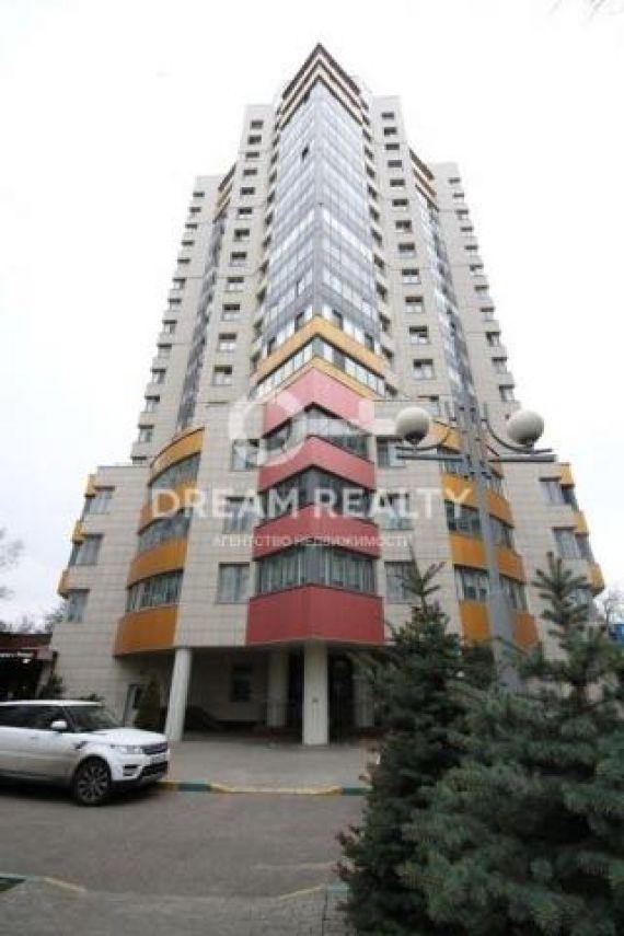 Предлагаю купить четырехкомнатную квартиру в москве, расположенную на 15 эт.