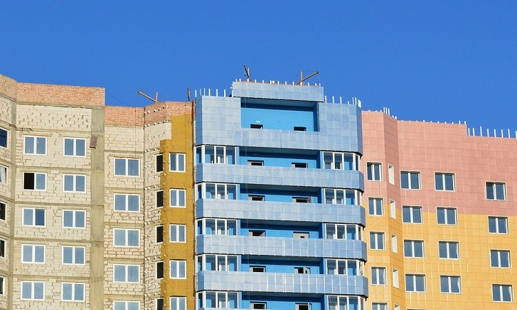 Как проверить и выбрать надежного застройщика при покупке квартиры в новостройке